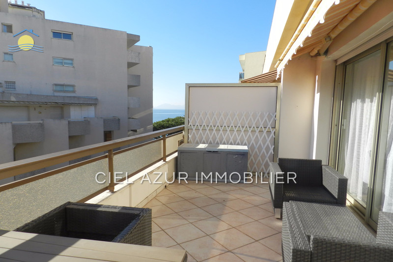 Photo Apartment Juan-les-Pins Bord de mer,   to buy apartment  1 room   29 m²