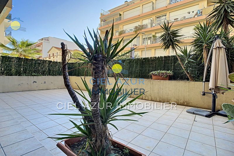 Apartment Juan-les-Pins Bord de mer,   to buy apartment  3 rooms   65 m²
