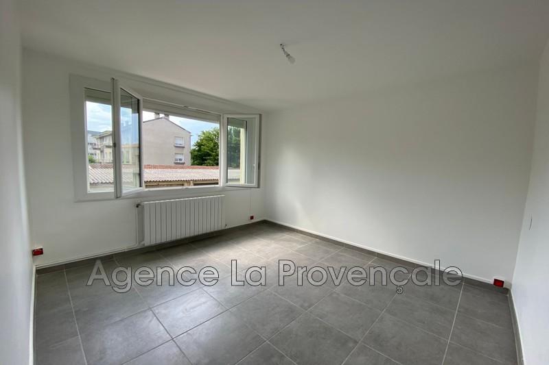 Photo Appartement Montélimar Montélimar,  Location appartement  3 pièces   67m²