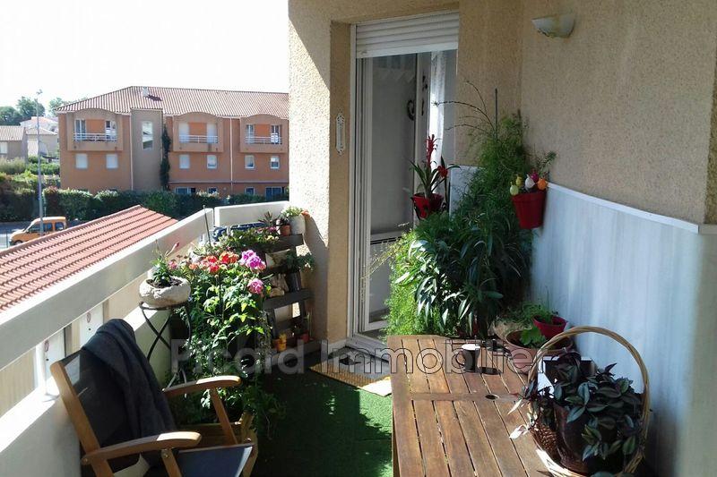 Photo Appartement Saint-Estève   achat appartement  3 pièces   59m²