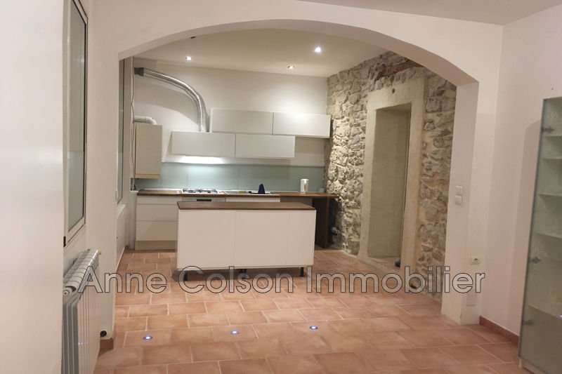 Photo Appartement Meyrargues Centre-ville,  Location appartement  3 pièces   55 m²