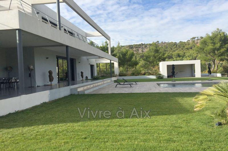 Photo n°4 - Location maison contemporaine Le Tholonet 13100 - 6 900 €