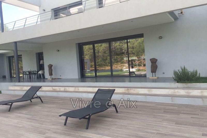 Photo n°5 - Location maison contemporaine Le Tholonet 13100 - 6 900 €