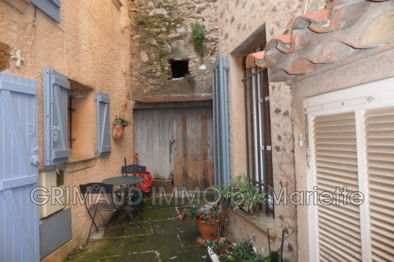 Photo n°1 - Vente maison en pierre Grimaud 83310 - 95 000 €