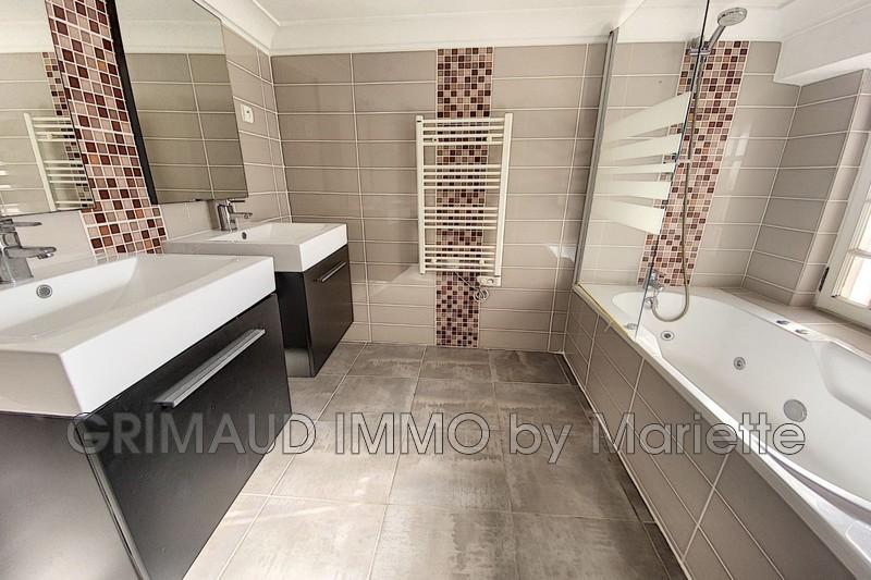 Photo n°8 - Vente appartement Le Plan-de-la-Tour 83120 - 375 000 €
