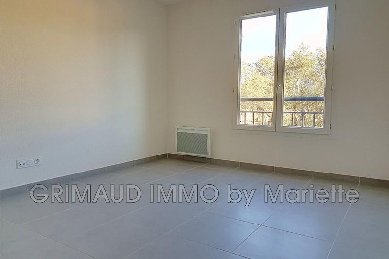 Photo n°2 - Vente appartement Le Plan-de-la-Tour 83120 - 235 000 €