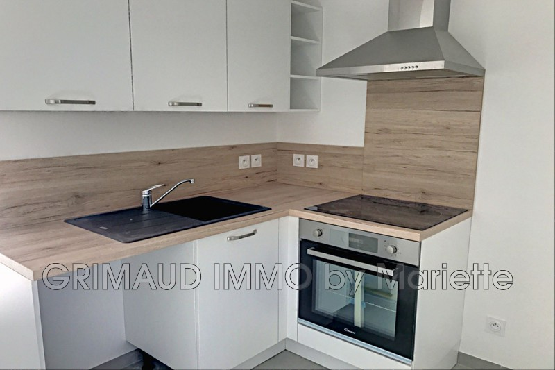 Photo n°2 - Vente appartement Grimaud 83310 - 534 438 €