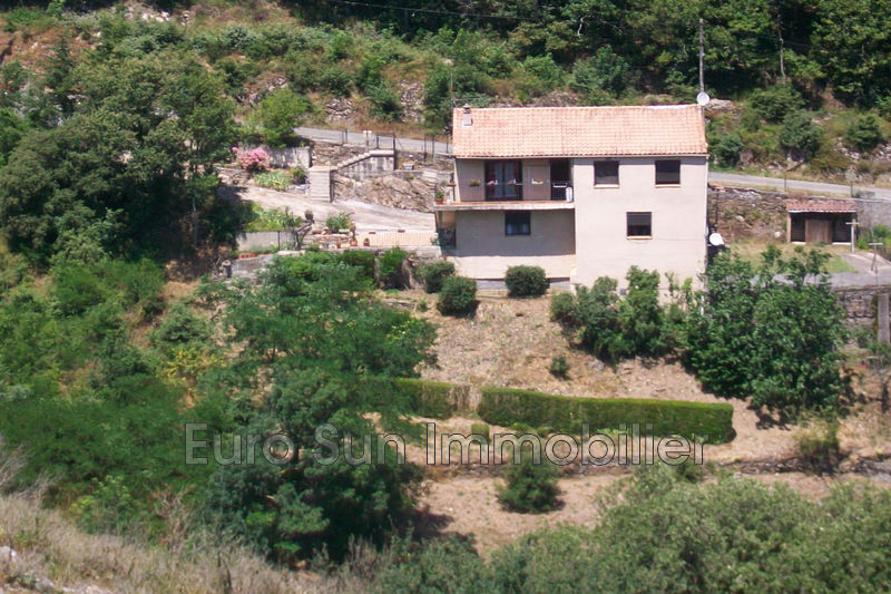 Photo Villa Saint-Pons-de-Thomières   to buy villa  5 bedroom   105 m²