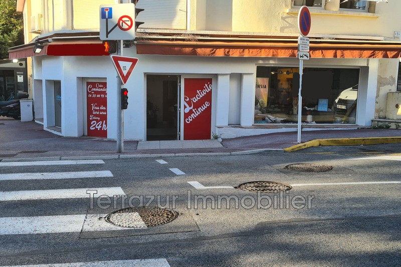 Photo  Cannes Centre-ville,  Professionnel    100 m²