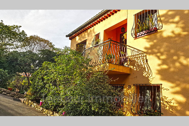 Photo Villa Golfe-Juan Residentiel,   to buy villa  6 bedrooms   234 m²