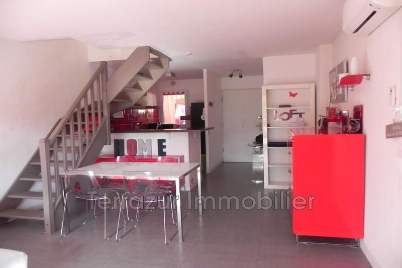 maison  3 rooms  Antibes Proche toutes commodités  69m² -