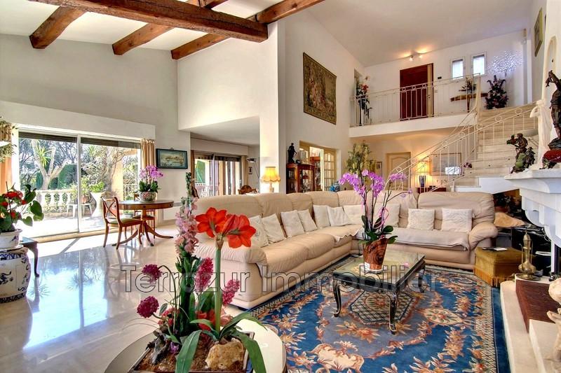 maison  7 rooms  Golfe-Juan Très résidentiel  220m² -