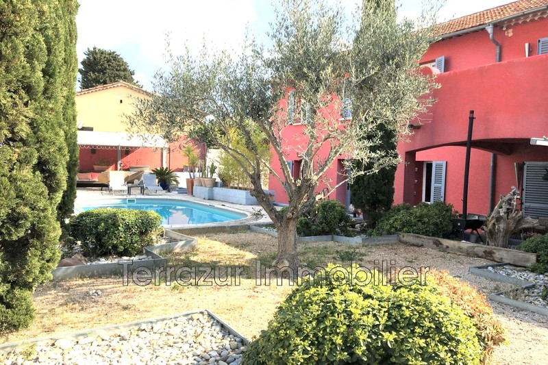 Photo Villa Golfe-Juan Très résidentiel,   to buy villa  5 bedrooms   230m²