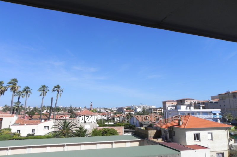 Photo Apartment Golfe-Juan Centre-ville,   to buy apartment  2 rooms   65 m²