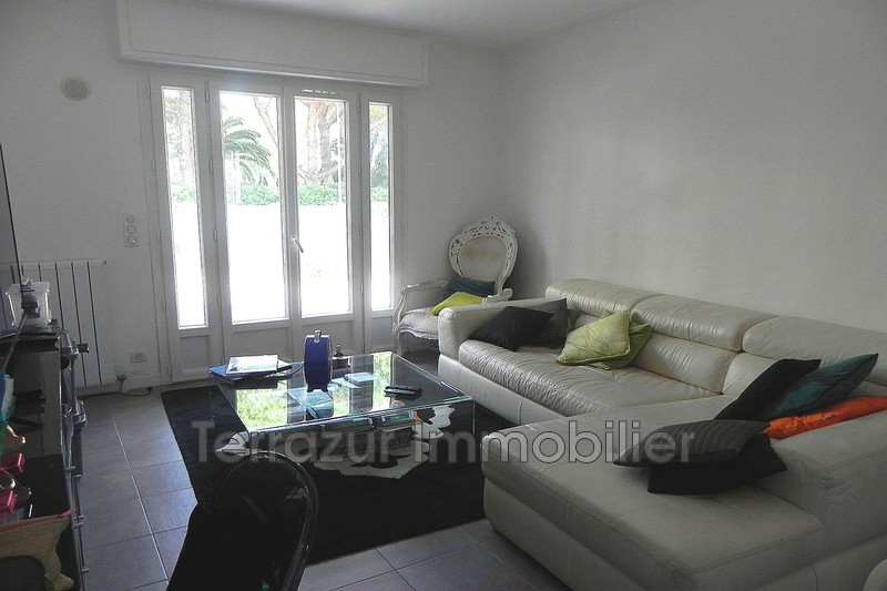 Photo Apartment Golfe-Juan Proche toutes commodités,   to buy apartment  3 rooms   69 m²
