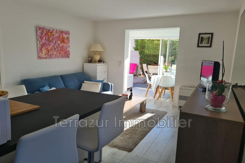 Photo Apartment Golfe-Juan Proche toutes commodités,   to buy apartment  2 rooms   35 m²