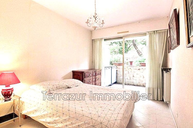 Photo Apartment Golfe-Juan Centre-ville,   to buy apartment  3 rooms   69 m²