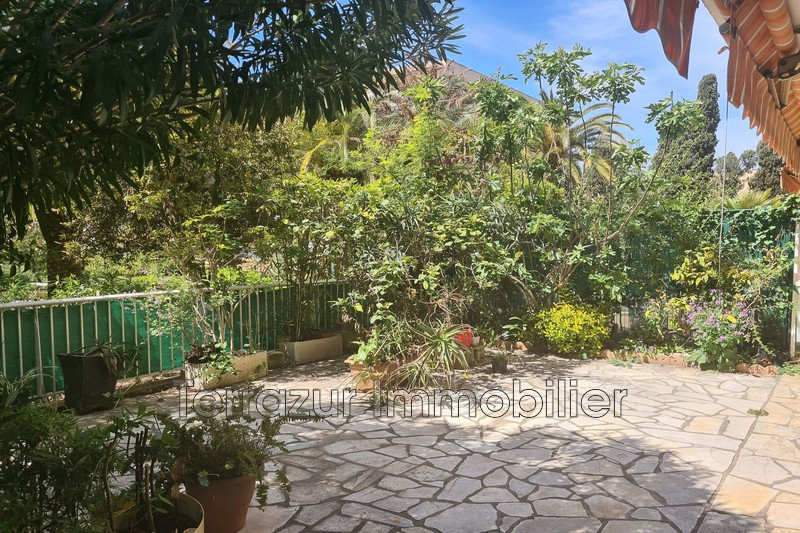 Photo Apartment Vallauris Proche toutes commodités,   to buy apartment  2 rooms   51 m²
