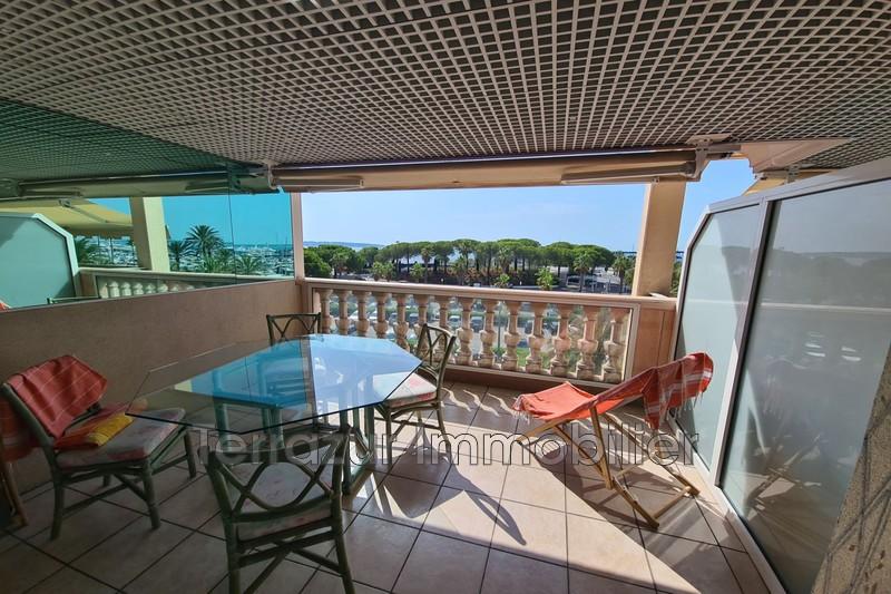 Photo Appartement Golfe-Juan Bord de mer,   achat appartement  2 pièces   48m²