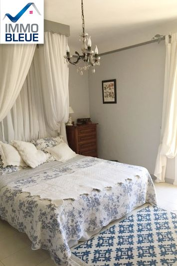 Photo n°5 - Vente Maison villa Saint-Mitre-les-Remparts 13920 - 689 000 €