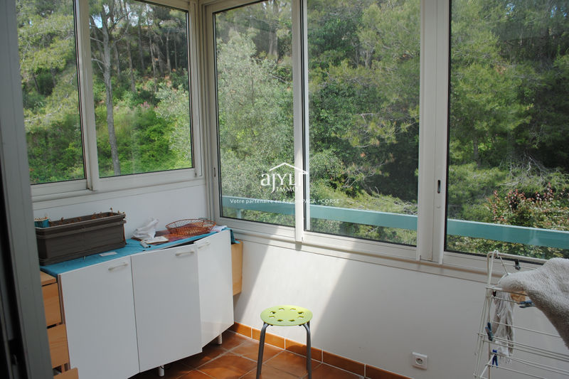 Photo Apartment La Ciotat  Hire apartment  2 rooms   27 m²