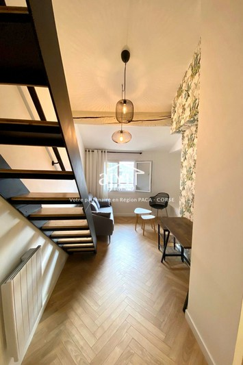 Photo Appartement Aix-en-Provence  Location appartement  2 pièces   26 m²