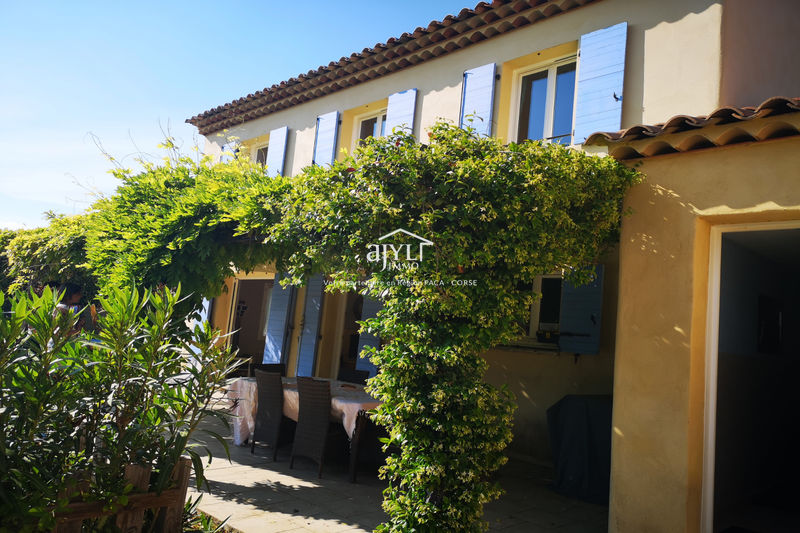 Photo Villa La Roque-d'Anthéron   to buy villa  4 bedrooms   130 m²