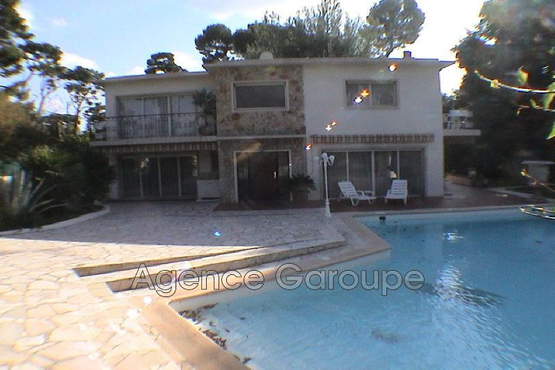 maison  4 rooms  Cap d'Antibes Centre du cap  160 m² -