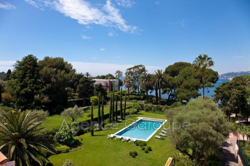 maison  6 rooms  Cap d'Antibes   400 m² -