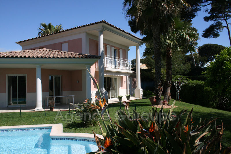 maison  5 rooms  Cap d'Antibes Close ti the beaches  157 m² -