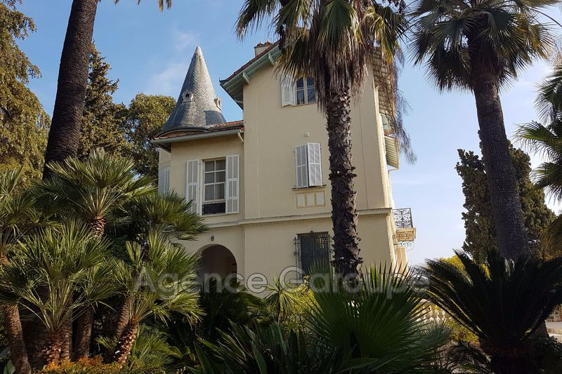 maison  12 rooms  Juan-les-Pins Close ti the beaches  300 m² -