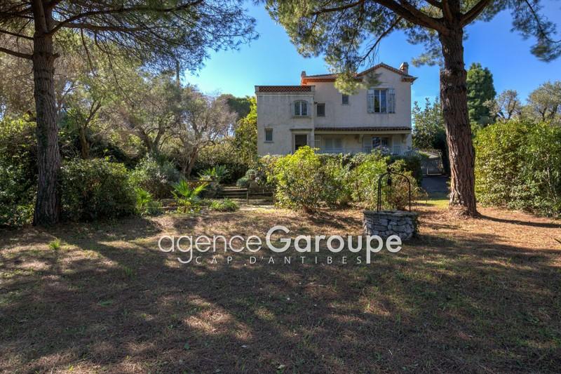 maison  6 pièces  Cap d'Antibes Proche plages  140m² -