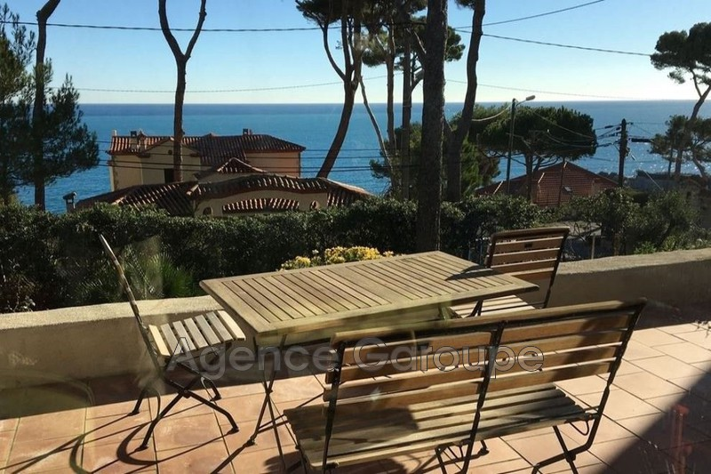 maison  4 rooms  Cap d'Antibes Close ti the beaches  120 m² -
