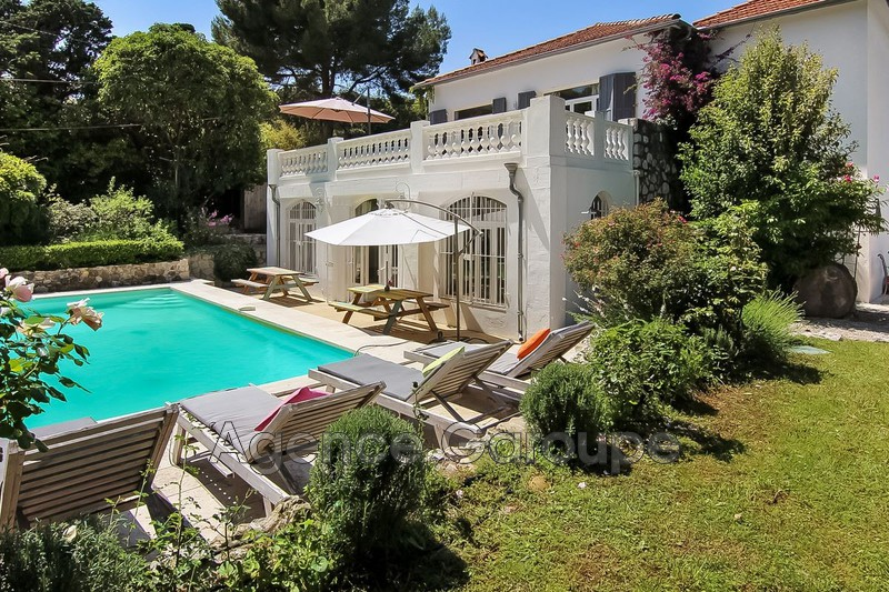 maison  6 rooms  Cap d'Antibes Close ti the beaches  225 m² -