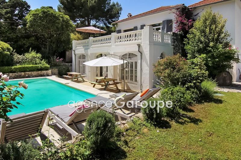 maison  6 pièces  Cap d'Antibes Proche plages  225m² -
