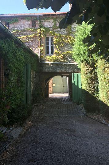 Photo Propriété Saint-Geniès-de-Malgoirès   achat propriété  3 chambres   417m²