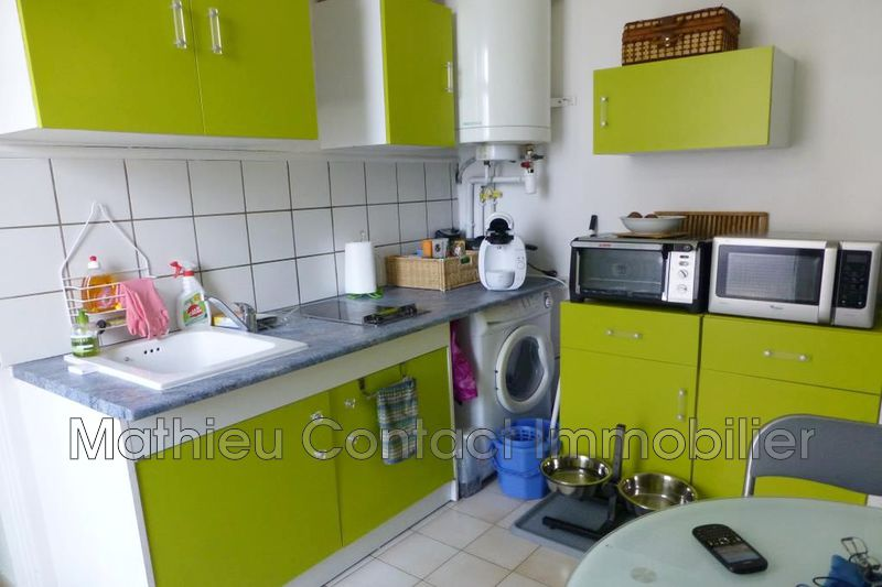 Photo Appartement Nîmes Centre-ville,  Location appartement  1 pièce   26 m²