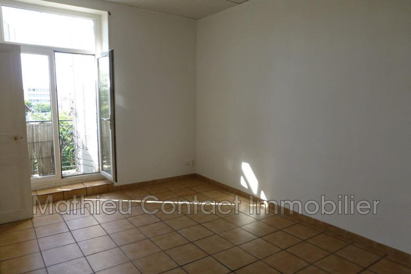 Photo Apartment Nîmes Route d'uzes,  Rentals apartment  3 rooms   73 m²