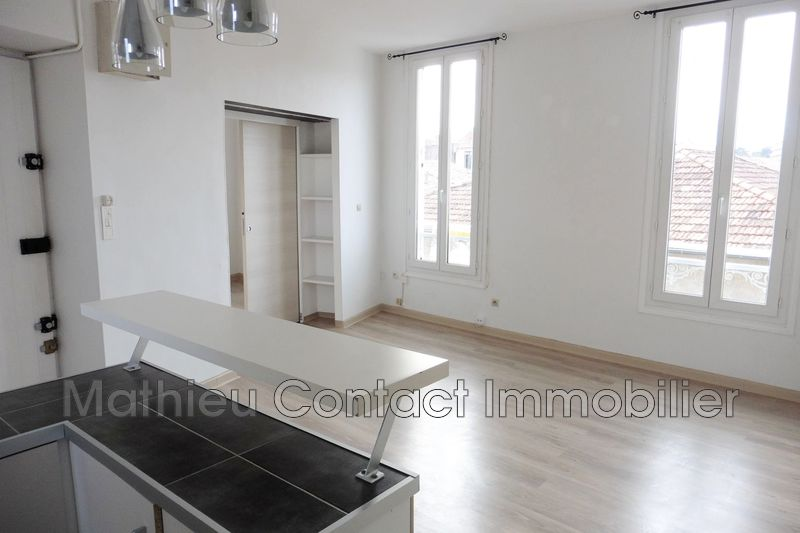 Photo Appartement Nîmes Centre-ville,  Location appartement  3 pièces   51 m²