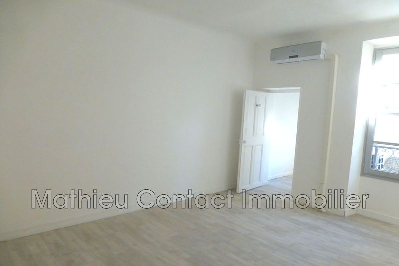 Photo Appartement Nîmes Ecusson,  Location appartement  3 pièces   67m²
