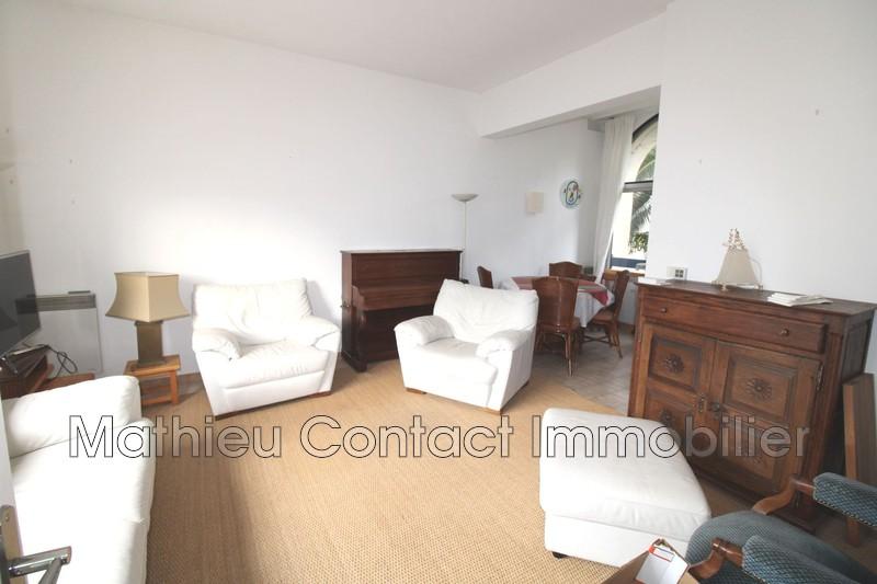 Photo Appartement Nîmes Centre-ville,  Location appartement  3 pièces   66m²