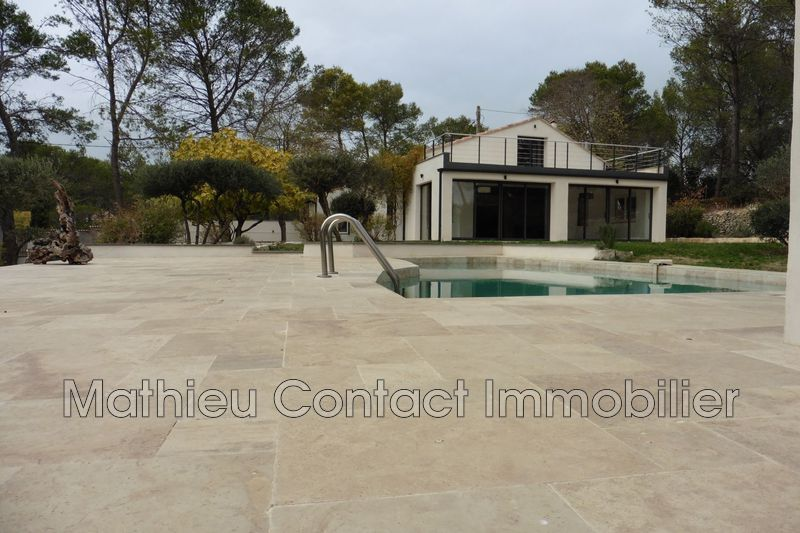 Photo Villa Nîmes Route d'uzes,  Location villa  3 chambres   234m²
