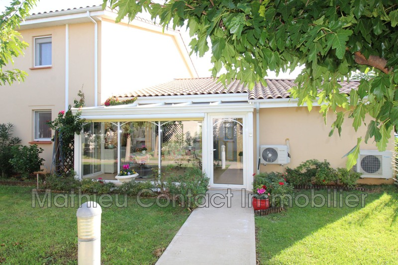 Photo Villa Saint-Gilles   to buy villa  3 bedrooms   122 m²