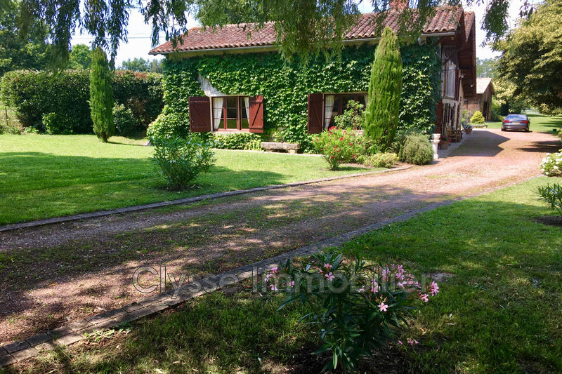 Photo Villa Bazas Sud gironde,   to buy villa  3 bedrooms   150 m²
