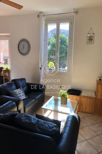 Photo Appartement Rougiers Centre-ville,   achat appartement  4 pièces   89m²