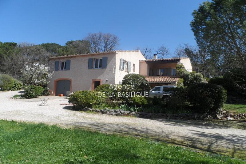 Photo Villa Saint-Maximin-la-Sainte-Baume Hors agglomération,   achat villa  4 chambres   180m²