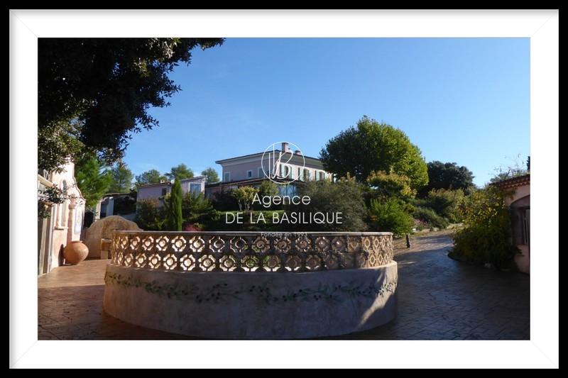 Photo n°1 - Vente Maison demeure de prestige Saint-Maximin-la-Sainte-Baume 83470 - 2 188 000 €