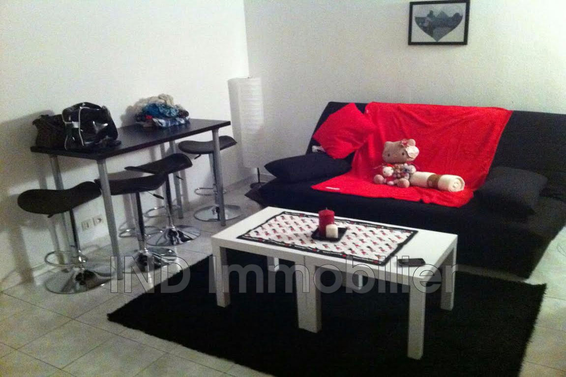 vente appartement villeneuve loubet 06270 120 000. Black Bedroom Furniture Sets. Home Design Ideas