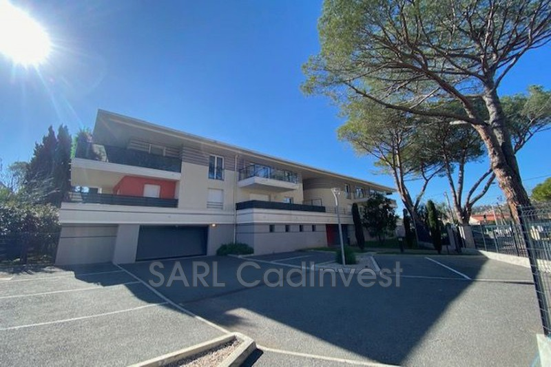 Photo Appartement Mandelieu-la-Napoule Proche plages et commerces,   achat appartement  2 pièces   43m²