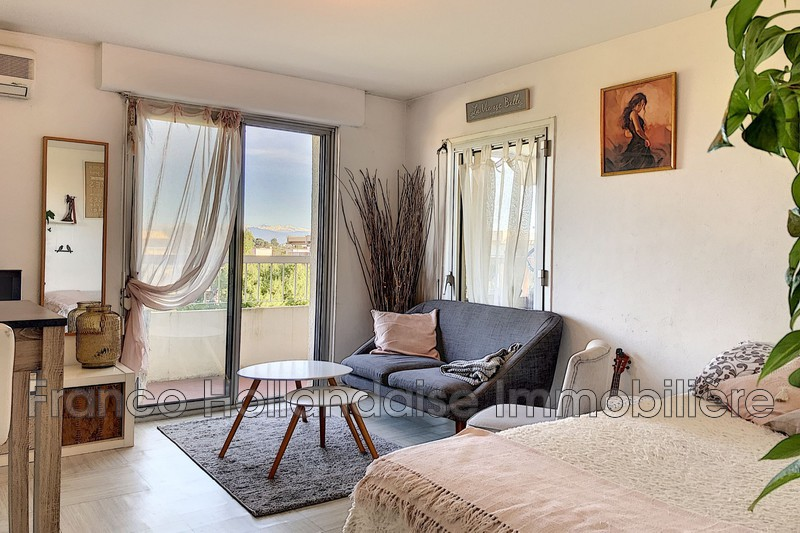 Appartement Antibes Combes,  Location appartement  1 pièce   27m²